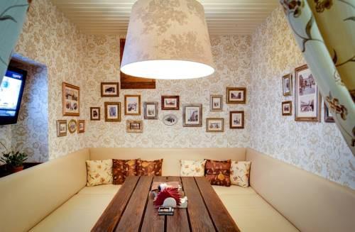 Ресторан Корчма на пр.Энгельса 83 Банкет от 1700 руб/ч. Фото банкетных залов.